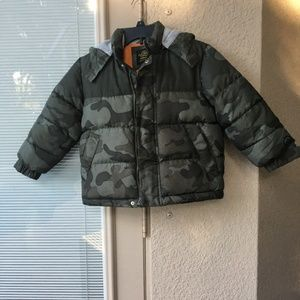 Super thick hooded Boys puffer/snow jacket